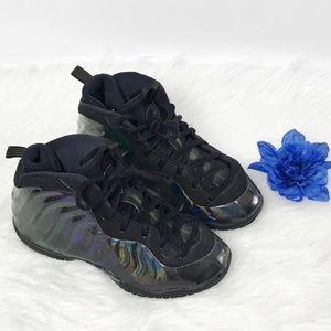 Nike Air Foamposite Kids Sneakers Size 1Y